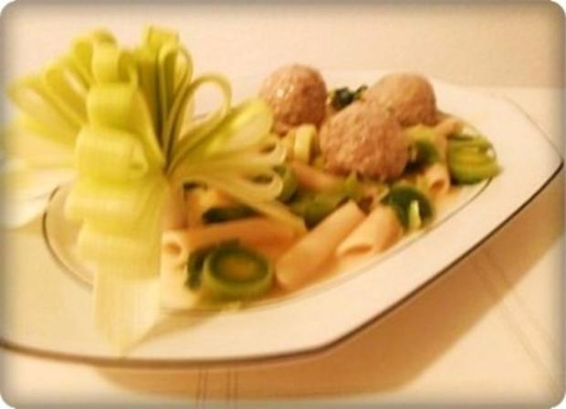 Lauch - Penne in Weißweinsauce und ♔Königsberger Klopse  dazu - Rezept - Bild Nr. 22