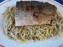 Lachs auf einem Knoblauchspaghetti Bett - Rezept