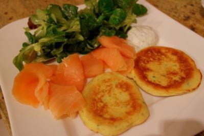Fingerfood: Kartoffel-Räucherlachs-Taler - Rezept