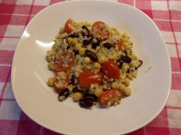 Bulgursalat mit Datteltomaten und Kichererbsen - Rezept