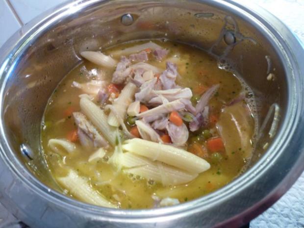 Hühnersuppe mit Eierstich und Gemüse - Rezept - Bild Nr. 2