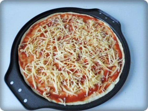 Selbstgemachte Thunfisch-Salami- Tomate- Käse  Pizza - Rezept - Bild Nr. 21