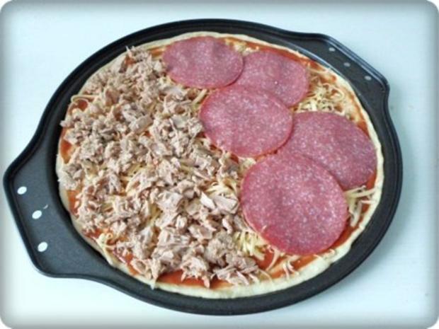 Selbstgemachte Thunfisch-Salami- Tomate- Käse  Pizza - Rezept - Bild Nr. 23