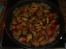 Pasta mit Thunfisch und Muscheln in Tomatensosse - Rezept