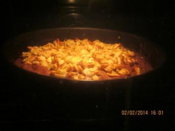 Schoko-Kirsch-Kuchen mit Mandelknusper - Rezept