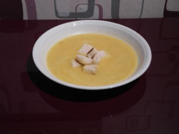 Gelbe Paprikasuppe mit Croutons - Rezept