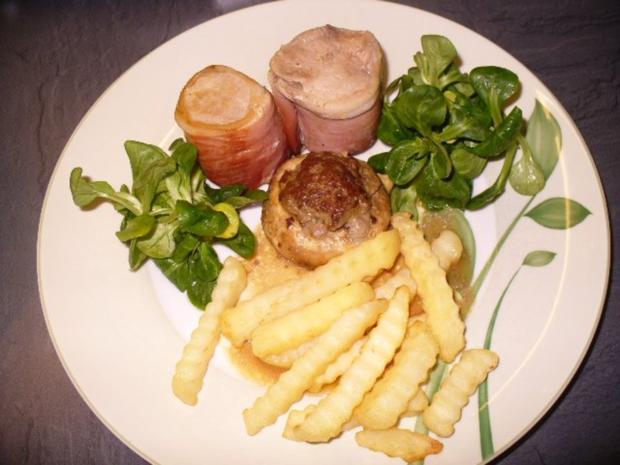 Schweinefilet-Medaillons im Schinkenmantel, gefüllte Champignons und Pommes frites - Rezept - Bild Nr. 7