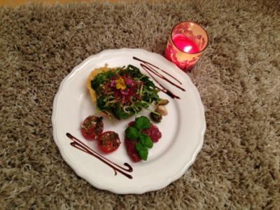Rindertatar mit Italienischem Pflücksalat und Parmesanknusper - Rezept