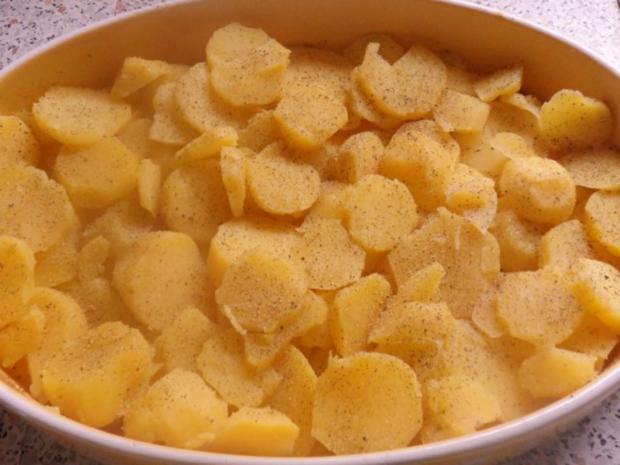 Ofengerichte: Fruchtiger Sauerkraut-Kartoffel-Auflauf mit Nürnberger Würstchen - Rezept - Bild Nr. 3