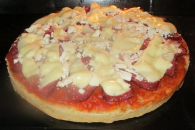 Pizza: Türkische Fladenbrotpizza - Rezept