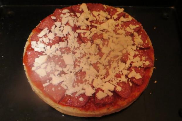 Pizza: Türkische Fladenbrotpizza - Rezept - Bild Nr. 7