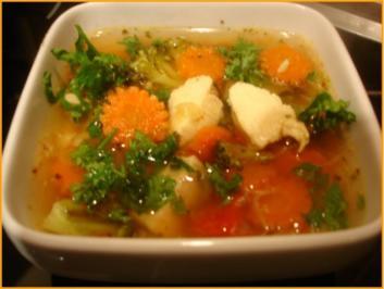 Gemüsesuppe mit Hähnchenbrustfilet - Rezept