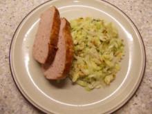 Spitzkohlsalat mit Mandeln - Rezept