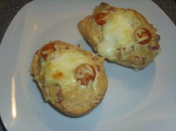 Schmandbrötchen mit Salami und Mozzarella - Rezept