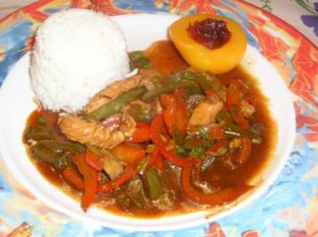 Süß-Saures Putenfleisch mit Paprikagemüse - Rezept