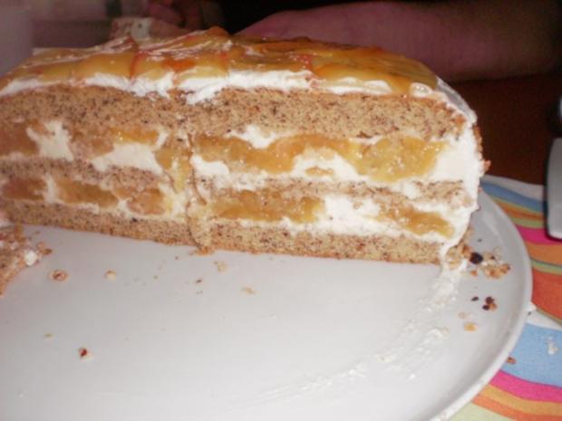 Apfel-Nuss-Torte mit Eierlikör - Rezept - Bild Nr. 2