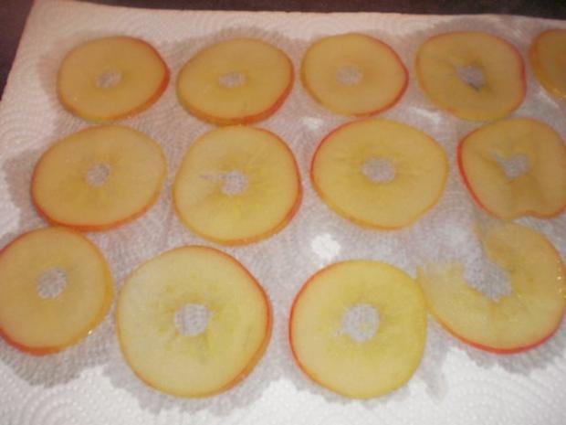 Apfel-Nuss-Torte mit Eierlikör - Rezept - Bild Nr. 15
