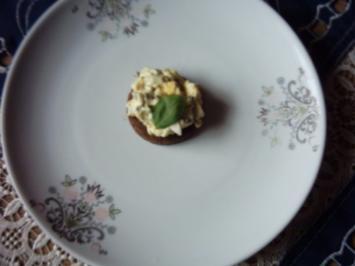 Eiersalat auf Partypumpernickel - Rezept