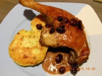 Rezept: Geflügel/ Wild: Entenkeulen an Cranberrysauce mit  Kartoffelplätzchen