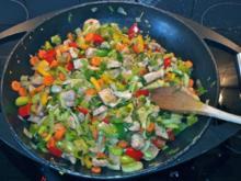 Putengeschnetzeltes mit Lauch, Zwiebeln, Paprika und Möhren - Rezept