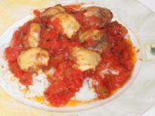 Hackbällchen mit Käse überbacken in Tomatensauce - Rezept