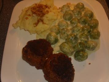 Buletten Kartoffelpüree und Rosenkohl in Gorgonzola-Sahne Soße - Rezept