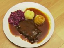 """Rheinische Suurbrode met rudem Kappes un Äädäppelsklöß"" (Christian Petri) - Rezept"