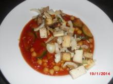 Zuccini Tomatensuppe mit Räuchertofu - Rezept
