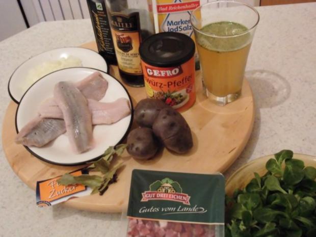 Schwedenhappen an Kartoffelsalat in lila - Rezept - Bild Nr. 2