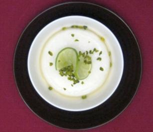 Persisches Glasnudeleis in leichtem Rosenwasser mit frischen Zitronen - Rezept