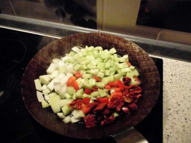 Skrei auch Winterkabeljau genannt auf Gemüsespiegel mit Kartoffelwürfeln - Rezept - Bild Nr. 4