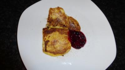 Grießschnitten mit Heidelbeerkompott - Rezept