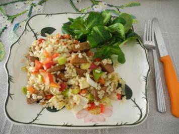 Vegan : Bunter Seitan - Reissalat mit Feldsalat - Rezept