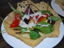 Caesar's Salad im Parmesankörbchen - Rezept