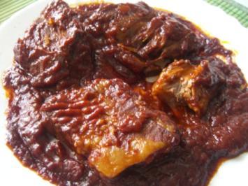 Spareribs in scharfer Tomaten-Honig-Marinade - Rezept