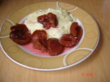 Marzipan-Griesbrei mit Pflaumen - Rezept