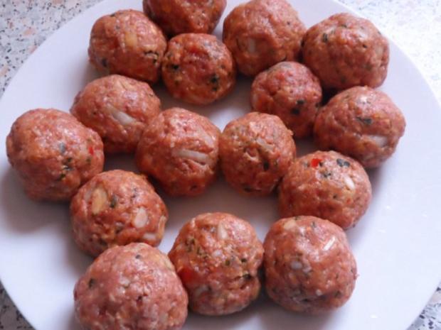 Aufläufe/Gratins: Kohlrabi-Kartoffel-Auflauf mit Käse-Hackbällchen - Rezept - Bild Nr. 7