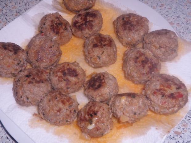 Aufläufe/Gratins: Kohlrabi-Kartoffel-Auflauf mit Käse-Hackbällchen - Rezept - Bild Nr. 8