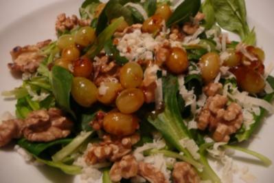 Salat mit Trauben und Parmesan - Rezept