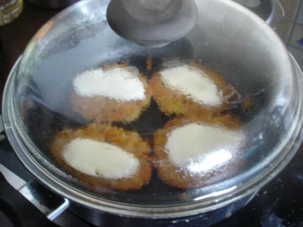 Kartoffelrösti mit Mozzarella und Tomatensalat - Rezept - Bild Nr. 11