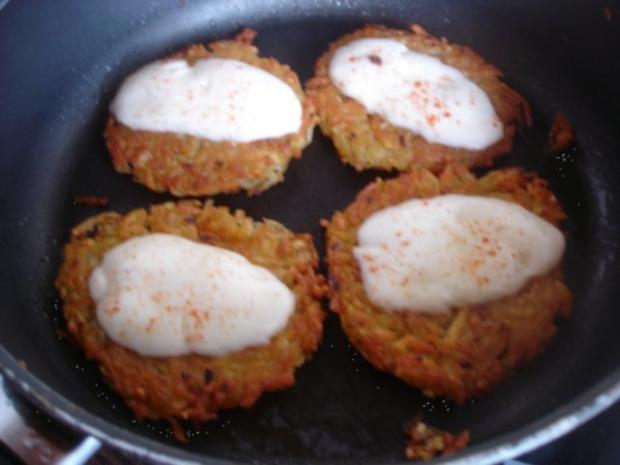 Kartoffelrösti mit Mozzarella und Tomatensalat - Rezept - Bild Nr. 12