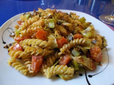 Vegetarisch: Harissa-Nudelpfanne - Rezept
