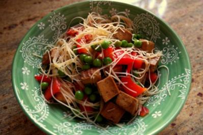 Asia-Tofu-Glasnudelsalat - Rezept