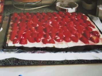 Rezept: Erdbeerkuchen mit Vanillepudding