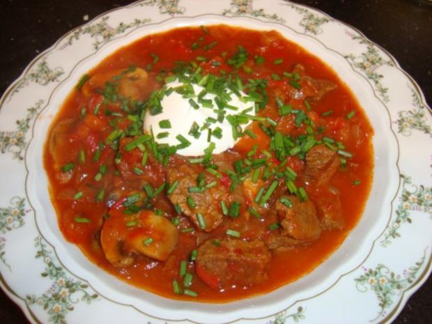 Paprika-Zwiebel-Gulasch - Rezept