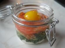 Ei im Glas, mit Spinat und Räucherlachs - Rezept