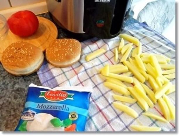 Hausgemachte Hamburger mit Pommes (ړײ) - Rezept - Bild Nr. 4