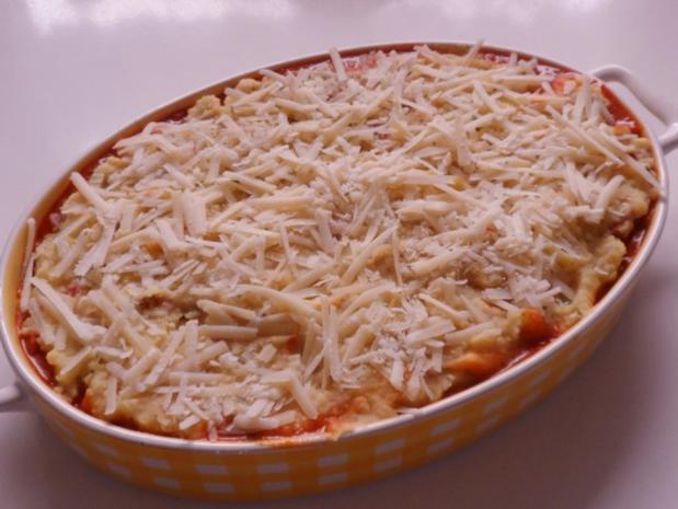 Auflauf/Gratin: Mediterranes Wurstgulasch überbacken mit Parmesan-Kartoffelpüree - Rezept - Bild Nr. 19