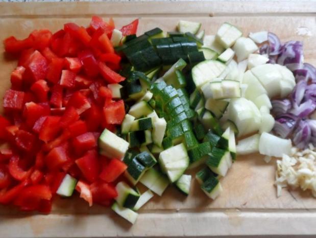 Auflauf/Gratin: Mediterranes Wurstgulasch überbacken mit Parmesan-Kartoffelpüree - Rezept - Bild Nr. 3