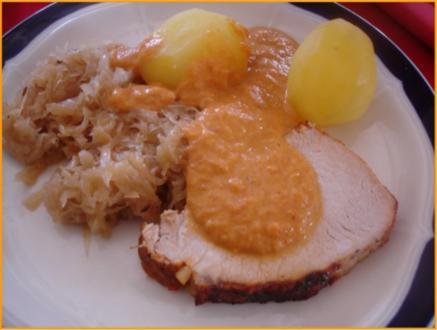 Lummerbraten mit Sauce, Sauerkraut und Kartoffeln - Rezept